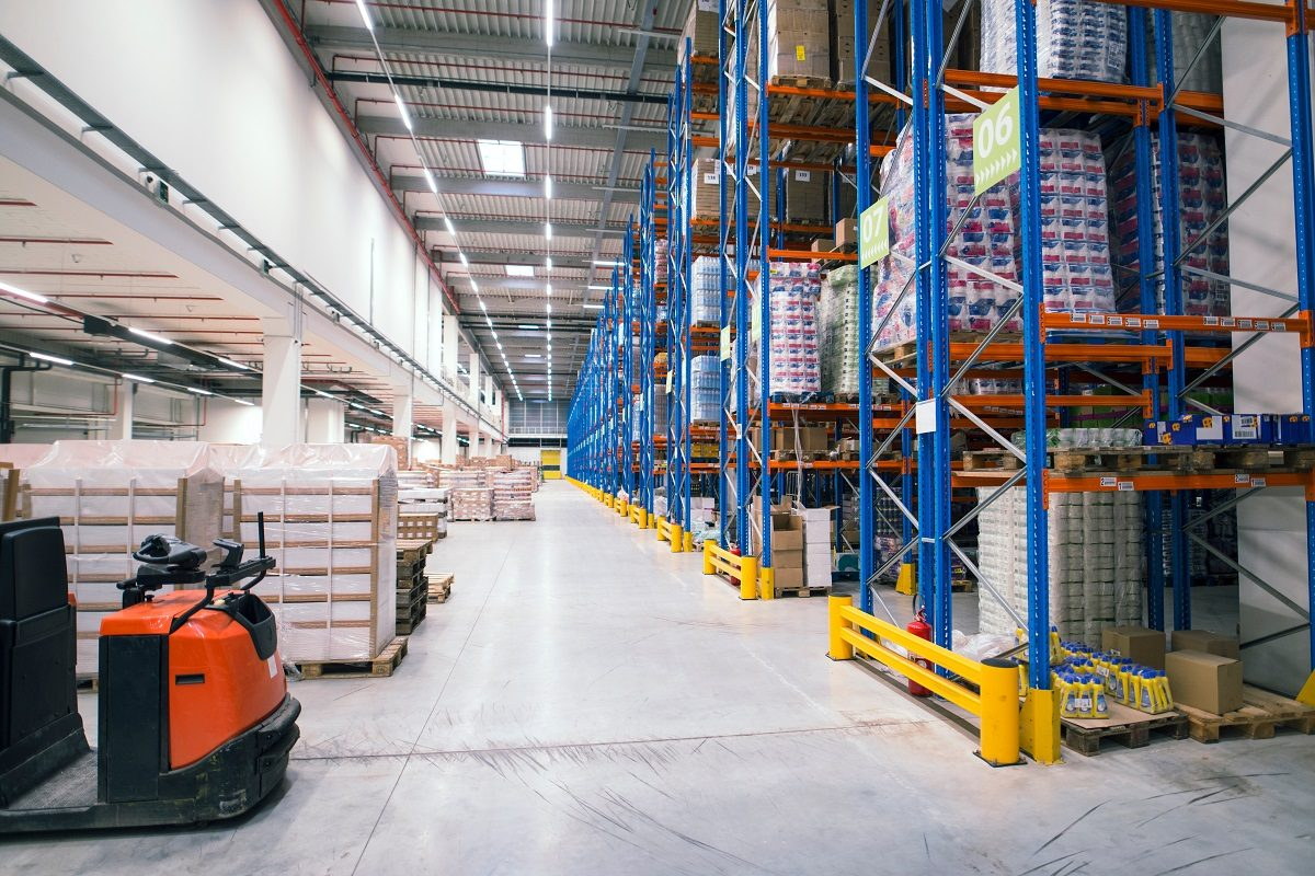 Drive in Pallet racking | drive in pallet racking system with one access aisle and a drive through pallet rack system allowing access to the load from both sides