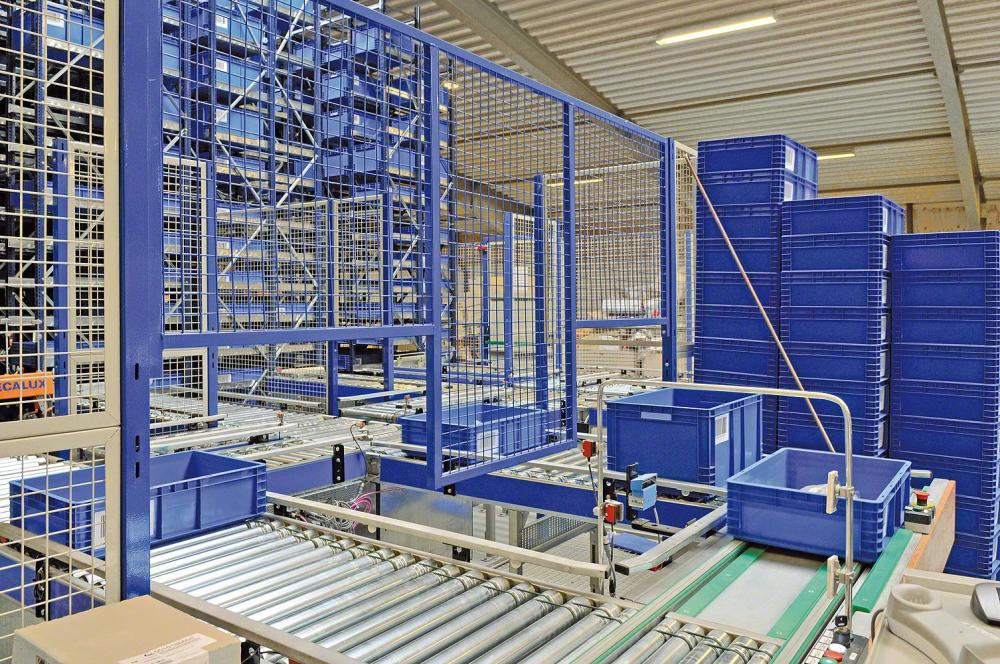 Contact Fayco on 01 8200100 for production and industrial mezzanine floor designs and prices