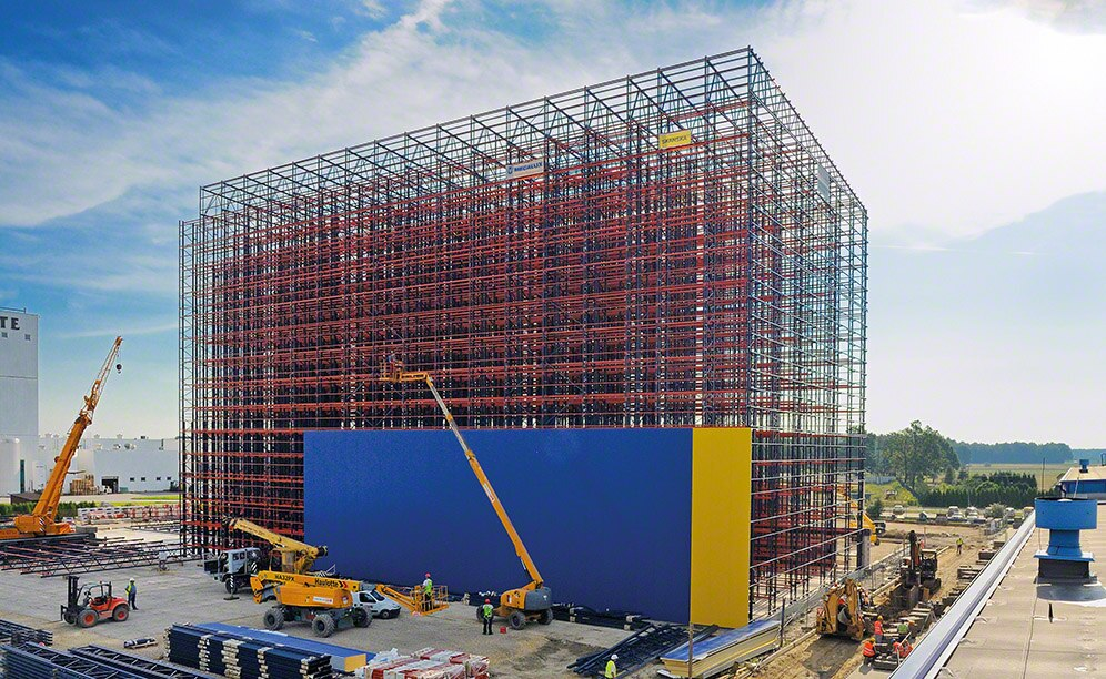 Clad racking warehouse under construction | Mecalux racking systems Ireland