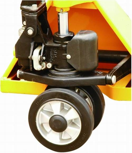 Sealed maintenance free pump unit with oil reservoir integrated which means fewer moving parts